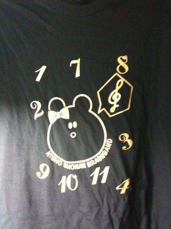 娘デザインの定期演奏会のTシャツ